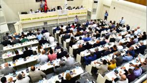 İzmir'in beş yıllık yeni yol haritası oy birliği ile kabul edildi