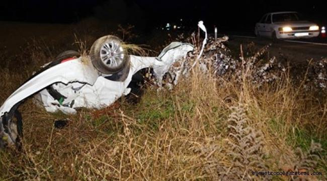 Otomobilin devrildi ölü, 2 yaralı