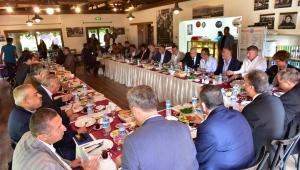 Başkan Mustafa İduğ, Esnaf odaları ve sanayi sitelerinin başkanları ile buluştu