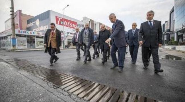 Başkan Soyer Kısıkköy'deki mobilyacıların sorunlarını dinledi