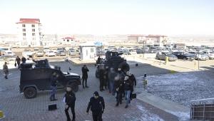 PKK operasyonunda gözaltına alınan 7 kişi adliyeye sevk edildi