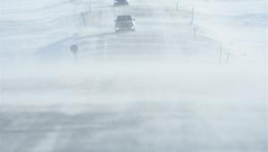Ardahan,Kars kara yolunda yoğun tipi ulaşımı aksattı