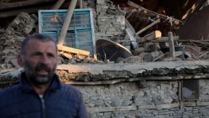 Elazığ'ın Çevrimtaş köyü tamamen yıkıldı