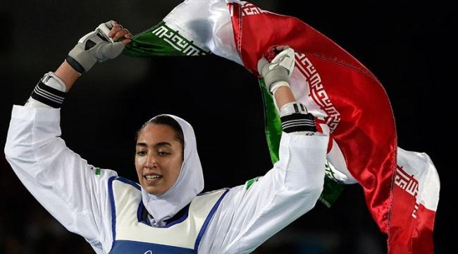İran'ın olimpiyatlarda madalya kazanan tek kadın sporcusu, ülkeyi terk ediyor