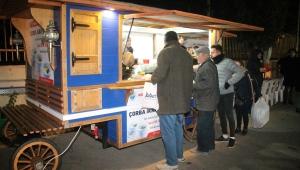Menderes Belediyesi'nden Sıcak Çorba İkramı
