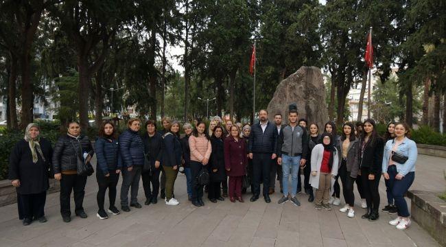 Çiğli Atatürk'ün İzinden Yürüyor