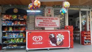Hayırsever izmir'de Ege market'te olan vatandaşın tüm market borcunu kapattı