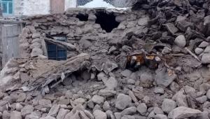 İran'daki deprem Van Başkale'yi vurdu