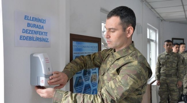 Askeri Kışlaları Dezenfekte Ediliyor