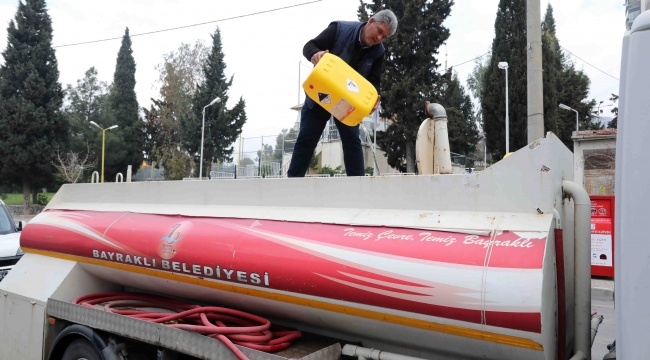 Bayraklı'da sokaklar dezenfekte edildi