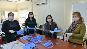 Çiğli'deki sağlıkçıların maskeleri Çiğli Belediyesi'nden