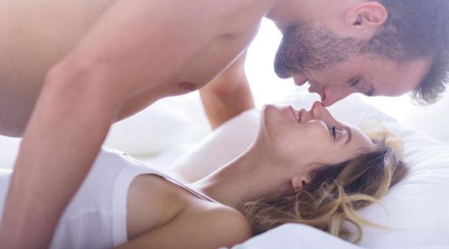 Doktor Mehmet Öz'den karantina tavsiyesi: Gerilimi azaltmak için sık sık cinsel ilişkiye girin