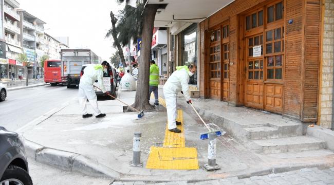 Narlıdere'nin sokakları dezenfekte edildi
