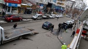 Ardahan'da trafik kazasında 3 araç kullanılamaz hale geldi