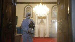 Konak'ta camiler ibadete hazır