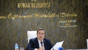 Batur: Konak Belediyesi'nin ayakları yere sağlam basıyor