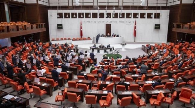 Meclis tatil öncesi sosyal medya teklifi için mesai yapacak
