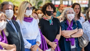 """Neptün Soyer Meçhul Kadın Anıtı'nın açılışında konuştu: """"İstanbul Sözleşmesi yaşatır"""