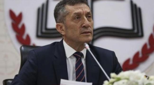 Bakan Selçuk'tan 'okullar açılmasın' diyenlere yanıt