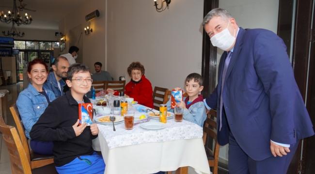 Başkan Oran'dan vatandaşlara Ay Yıldızlı Türk Bayrağı