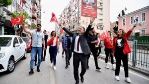 Bornova'da Cumhuriyet Bayramı'na tedbirli kutlama