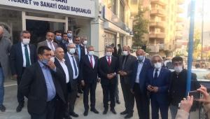 CHP İzmir Milletvekili Kani Beko ve CHP Ankara Milletvekili Yıldırım Kaya; bir dizi temas ve incelemelerde bulunmak üzere Hakkari'ye gitti.