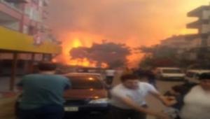 Orman yangını büyüyor... Vatandaşın panik halinde alevlerden kaçışı kamerada