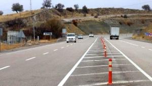 Mahalleli 'Ölüm yoluna' isyan etti! 69 kazada 39 kişi hayatını kaybetti