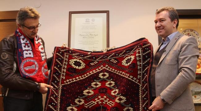 Devlet eski Bakanı Kürşad Tüzmen Bergama'da