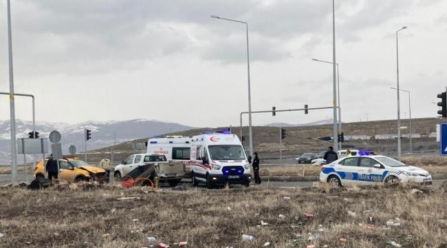 Ardahan'da trafik kazası 2 kişi yaralı
