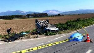 Süt kamyonu ile hafif ticari araç çapıştı: 3 ölü, 4 ağır yaralı