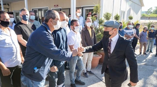 Başkan Soyer belediye çalışanlarıyla bayramlaştı ,