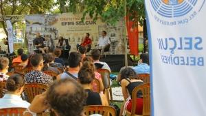 Tiyatro ve teknoloji tiyatronun kalbi Efes Selçuk'ta konuşuldu