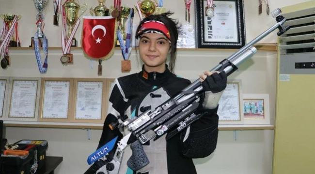 14 yaşındaki Elif, dünya şampiyonasında Türkiye'yi temsil edecek