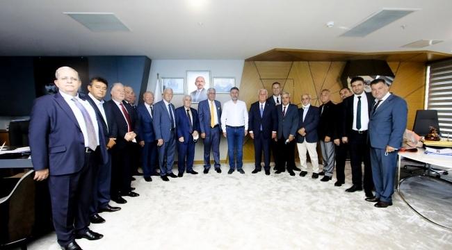İzmir Esnaf Odası Yönetiminden Başkan Sandal'a Ziyaret