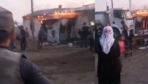 Çıkan yangında bir ev kül oldu