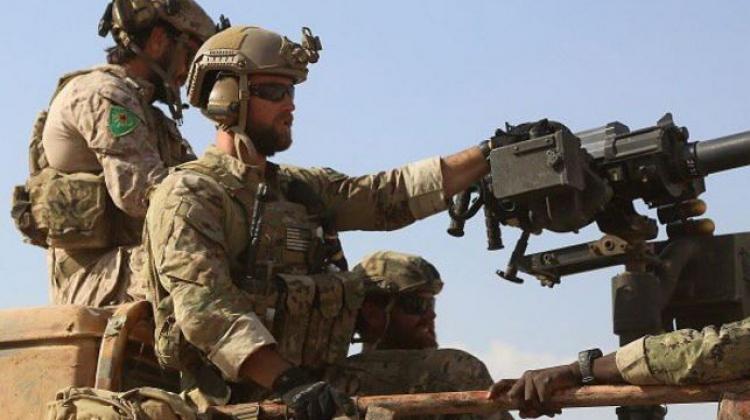 ABD askerlerinde YPG arması